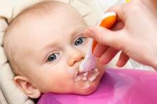 Einführung von Beikost bei Baby