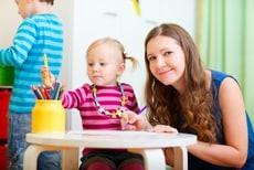 Babysitter mit Kindern