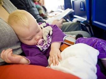 Mit dem Baby in den Urlaub fliegen